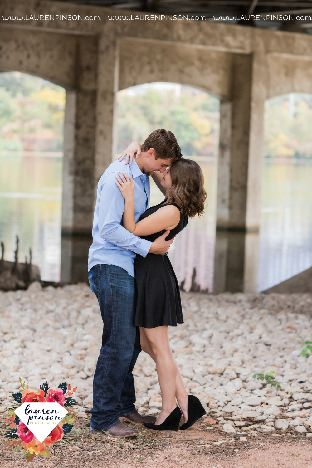 austin-texas-engagement-session-photography-by-wichita-falls-wedding-photgraphy-lauren-pinson_1397.jpg