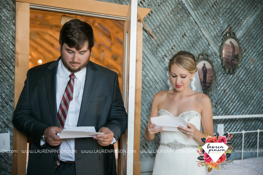 fort-worth-dfw-wedding-photographer-cleburne-jones-barns-at-willow-creek-ranch-wichita-falls-wedding-photographer-waco-texas-026.jpg