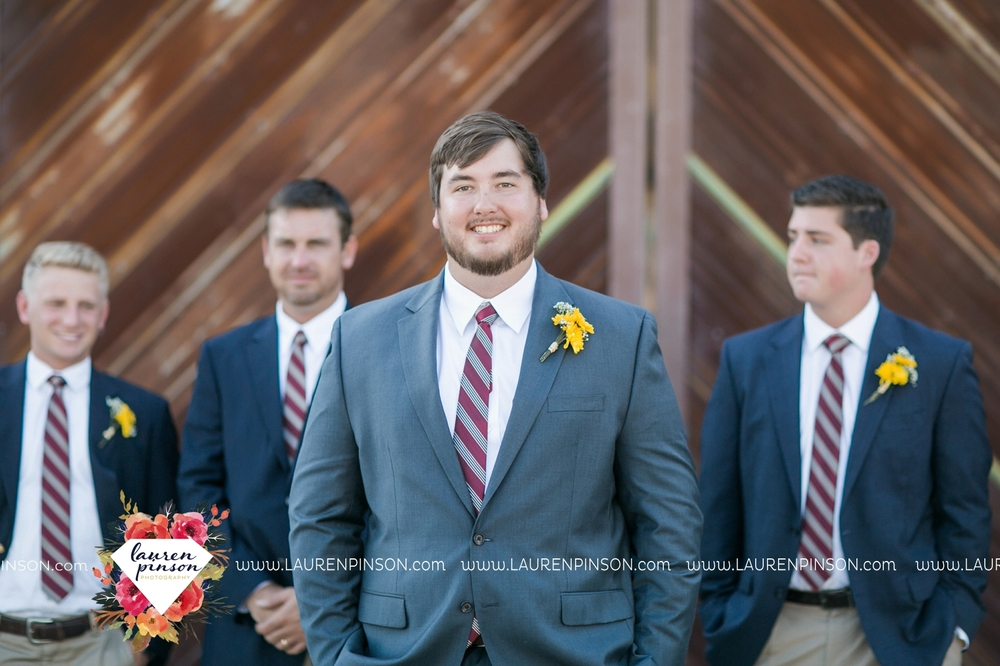 fort-worth-dfw-wedding-photographer-cleburne-jones-barns-at-willow-creek-ranch-wichita-falls-wedding-photographer-waco-texas-049.jpg