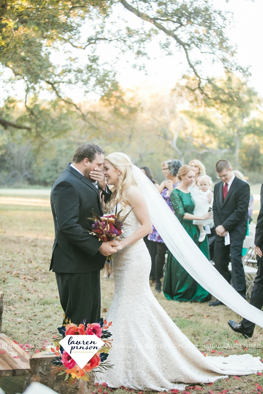 rustic-wichita-falls-texas-wedding-photographer-gold-glam-mayfield-events-market-street-united-allue-bridals-fall_1681.jpg