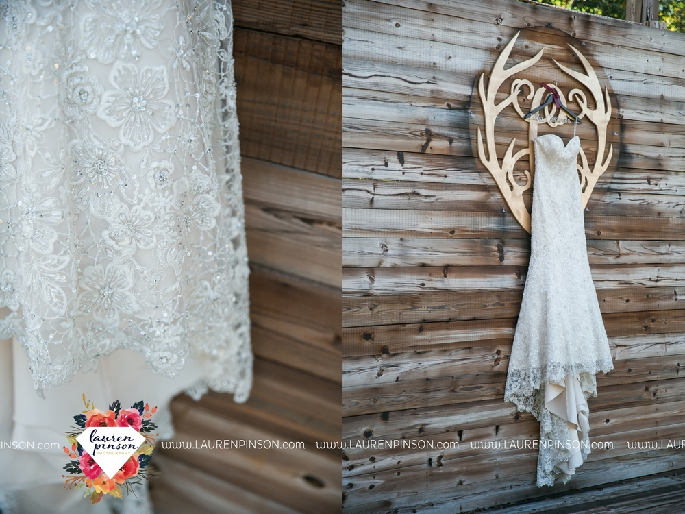 rustic-wichita-falls-texas-wedding-photographer-gold-glam-mayfield-events-market-street-united-allue-bridals-fall_1700.jpg