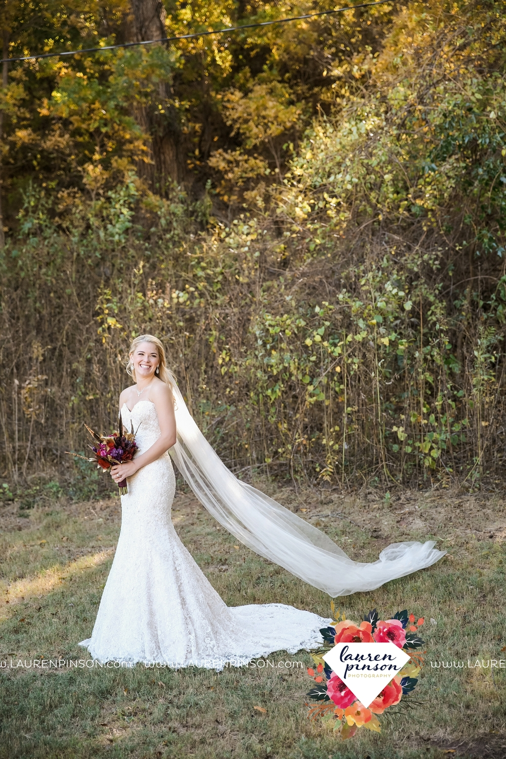 rustic-wichita-falls-texas-wedding-photographer-gold-glam-mayfield-events-market-street-united-allue-bridals-fall_1724.jpg