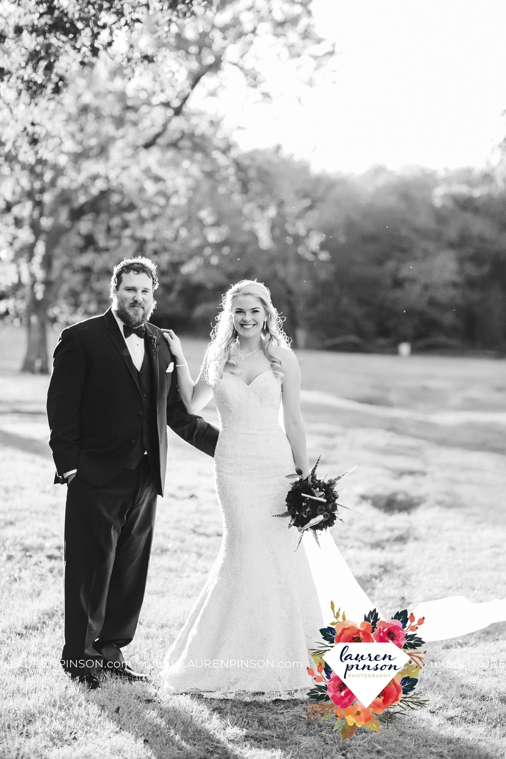 rustic-wichita-falls-texas-wedding-photographer-gold-glam-mayfield-events-market-street-united-allue-bridals-fall_1764.jpg
