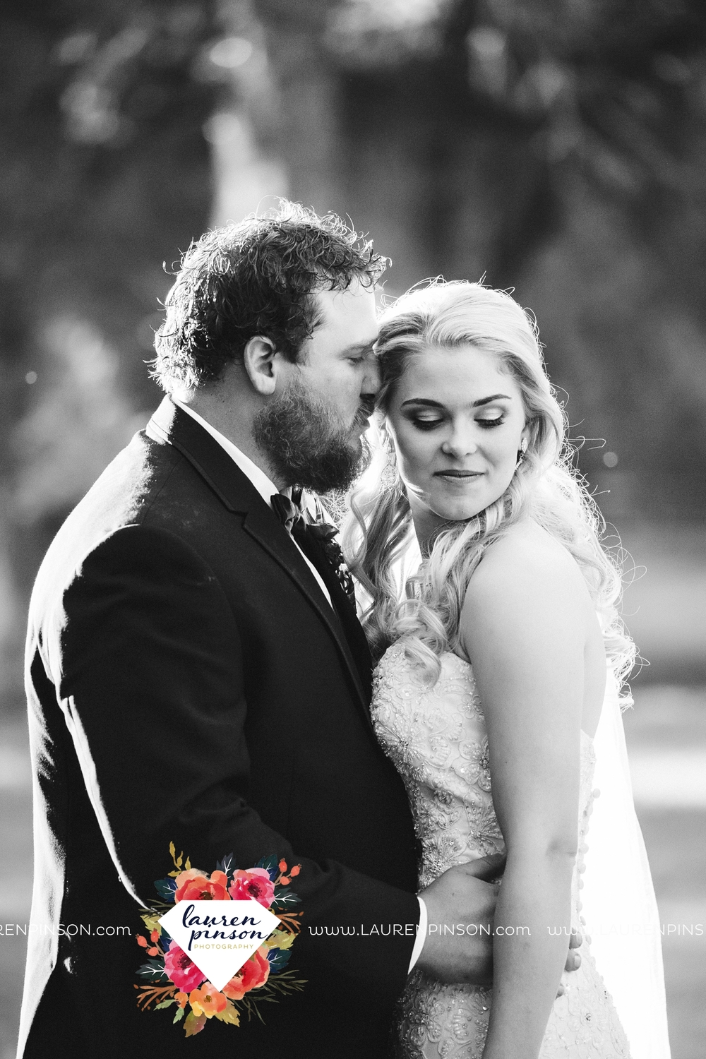rustic-wichita-falls-texas-wedding-photographer-gold-glam-mayfield-events-market-street-united-allue-bridals-fall_1772.jpg