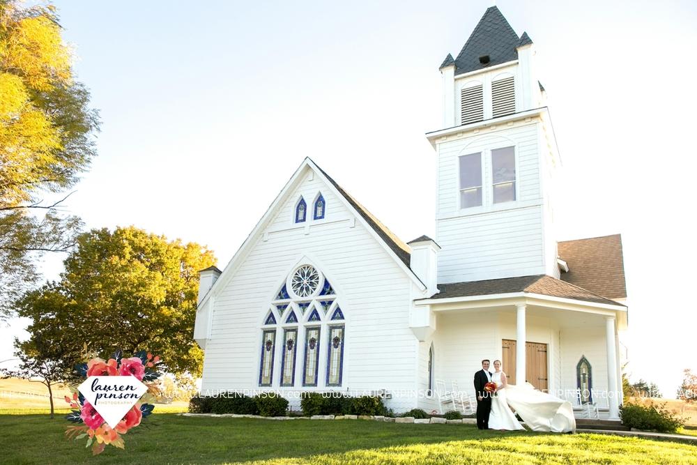 bells-texas-wedding-photography-at-willowood-ranch-chapel-north-texas-wichita-falls-wedding-photographer_1839.jpg