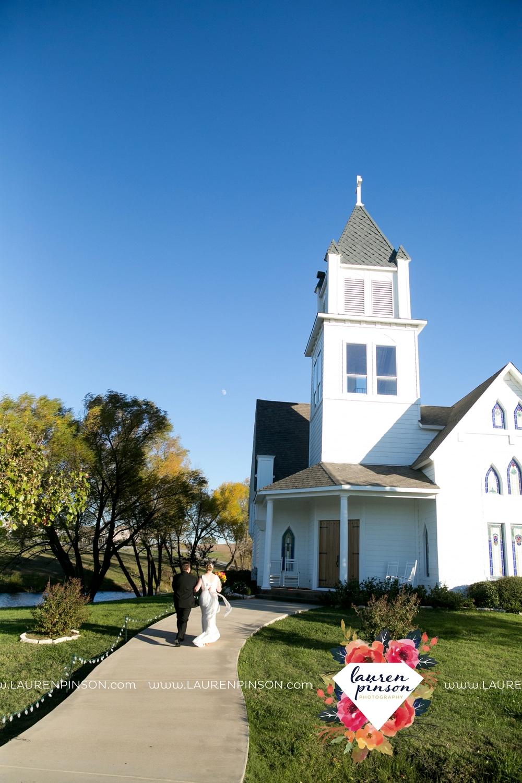 bells-texas-wedding-photography-at-willowood-ranch-chapel-north-texas-wichita-falls-wedding-photographer_1828.jpg