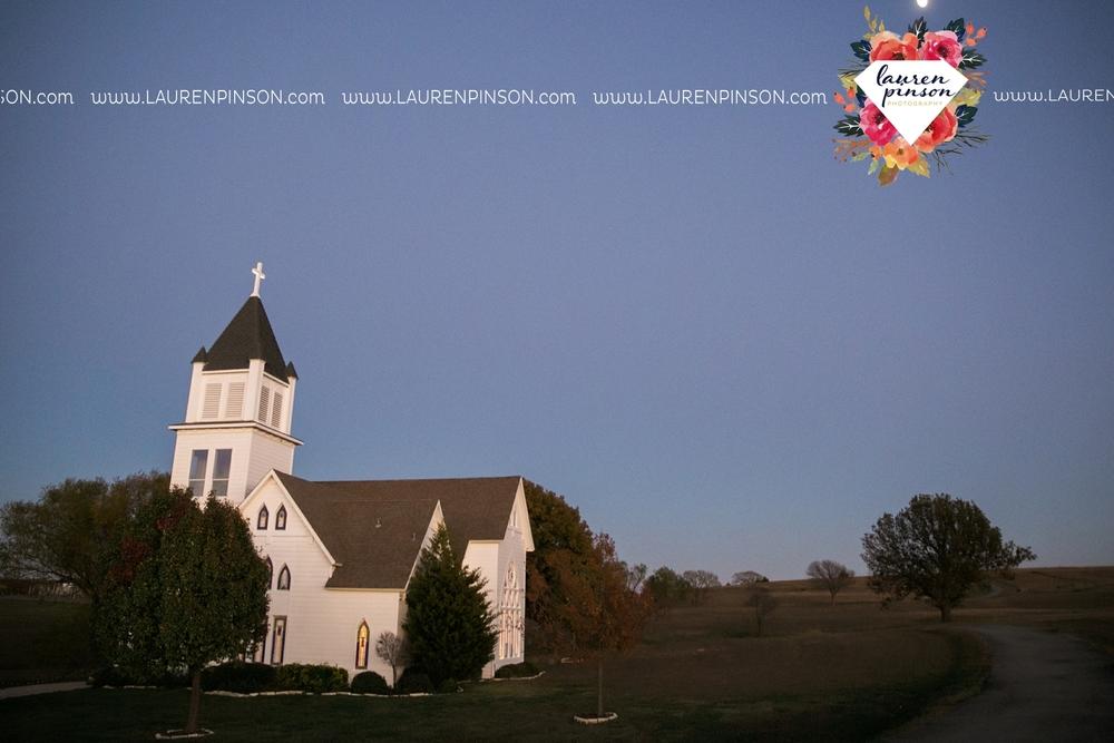 bells-texas-wedding-photography-at-willowood-ranch-chapel-north-texas-wichita-falls-wedding-photographer_1861.jpg