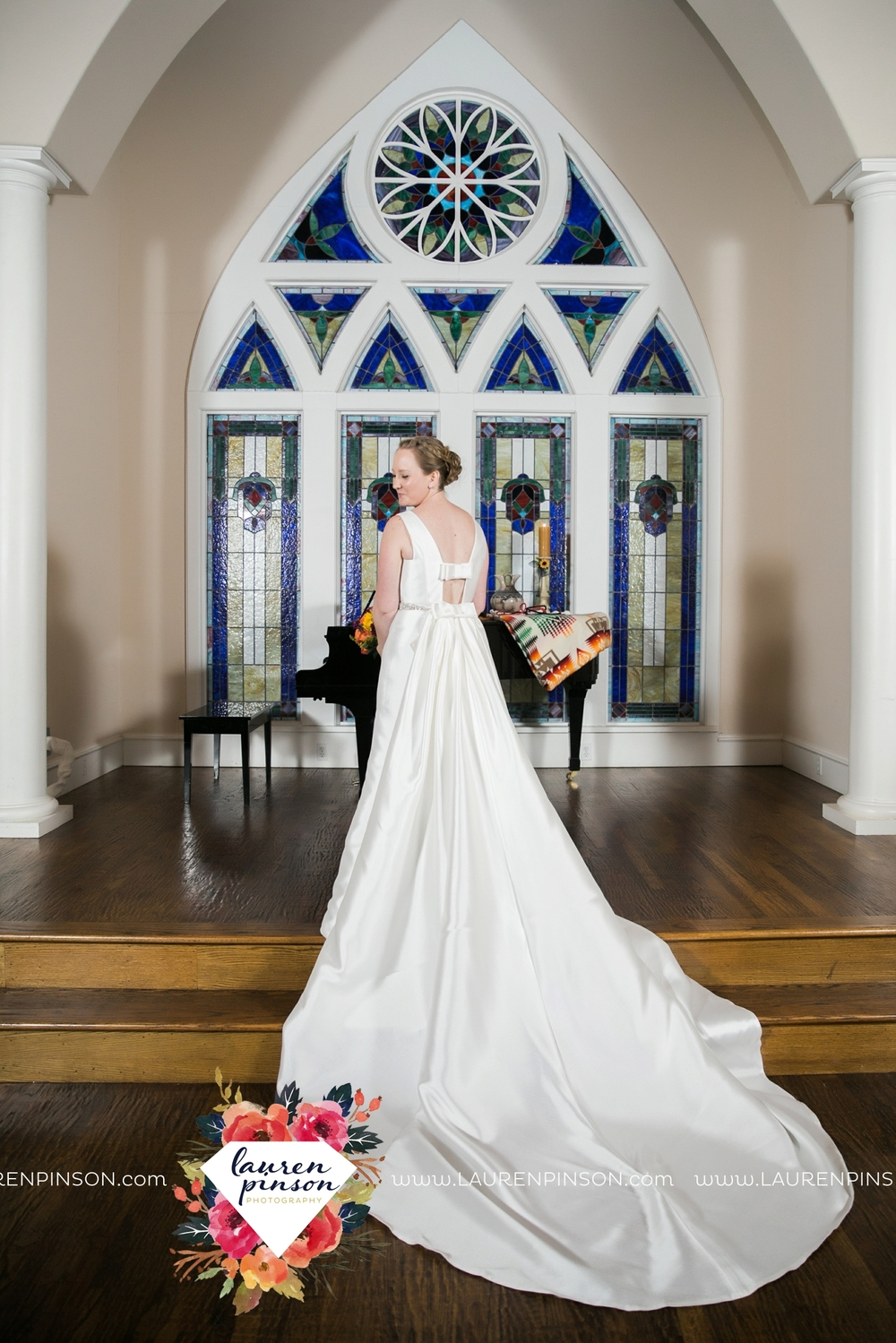 bells-texas-wedding-photography-at-willowood-ranch-chapel-north-texas-wichita-falls-wedding-photographer_1884.jpg