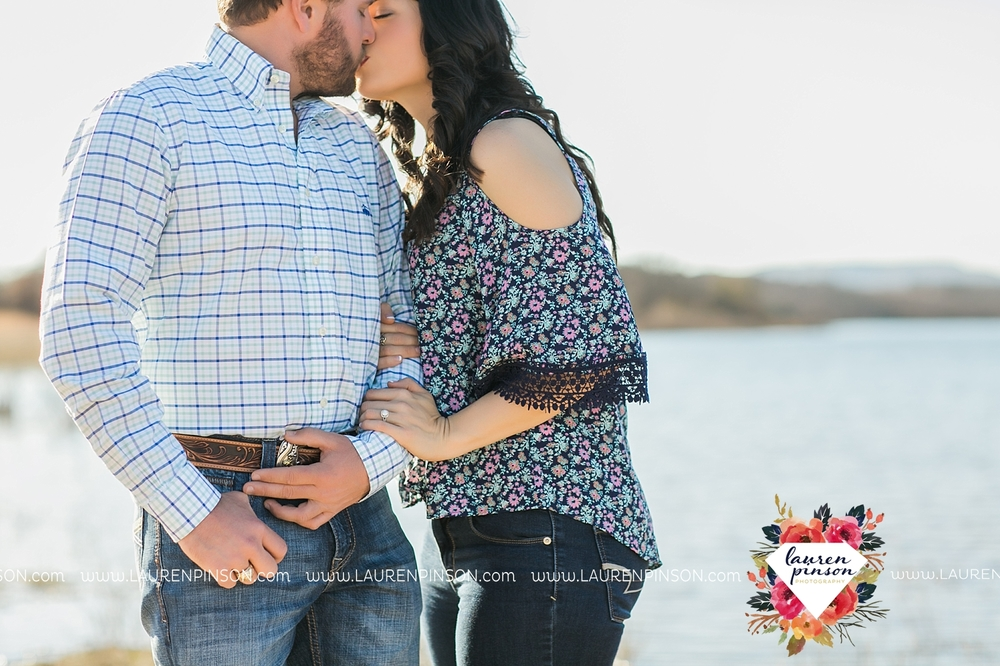 wichita-falls-texas-engagement-photographer-wedding-oklahoma-lawton-wichita-mountains-refuge-outdoors-mountains-engaged_2034.jpg