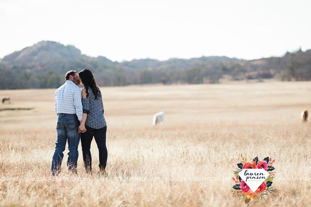 wichita-falls-texas-engagement-photographer-wedding-oklahoma-lawton-wichita-mountains-refuge-outdoors-mountains-engaged_2036.jpg