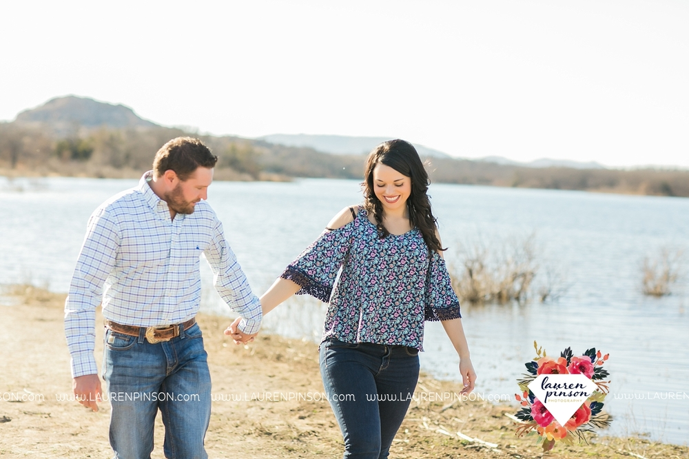 wichita-falls-texas-engagement-photographer-wedding-oklahoma-lawton-wichita-mountains-refuge-outdoors-mountains-engaged_2037.jpg