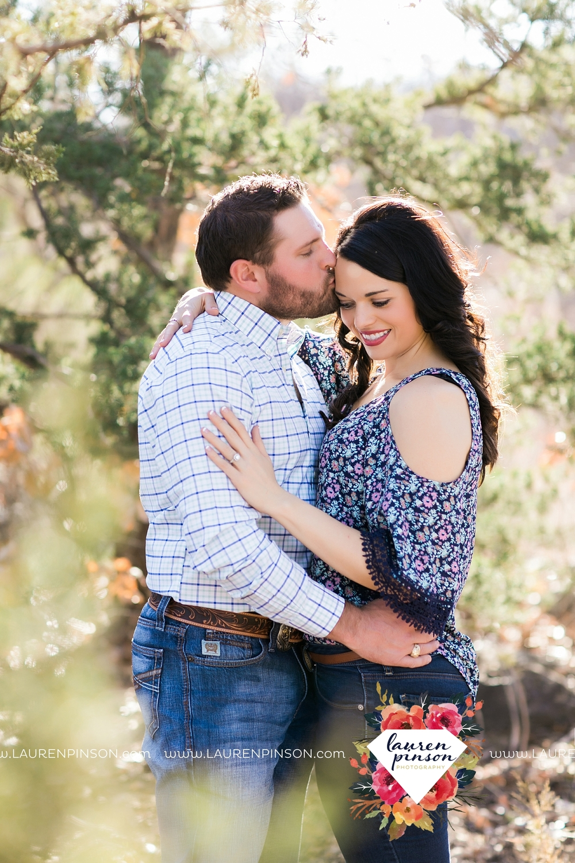 wichita-falls-texas-engagement-photographer-wedding-oklahoma-lawton-wichita-mountains-refuge-outdoors-mountains-engaged_2040.jpg