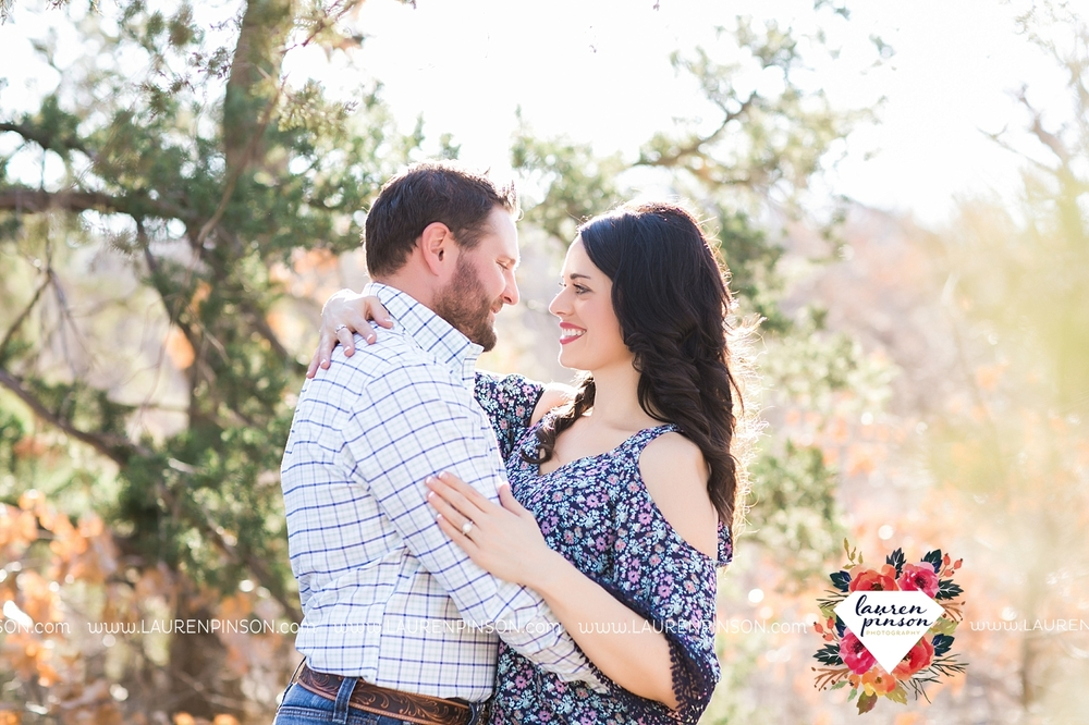 wichita-falls-texas-engagement-photographer-wedding-oklahoma-lawton-wichita-mountains-refuge-outdoors-mountains-engaged_2043.jpg