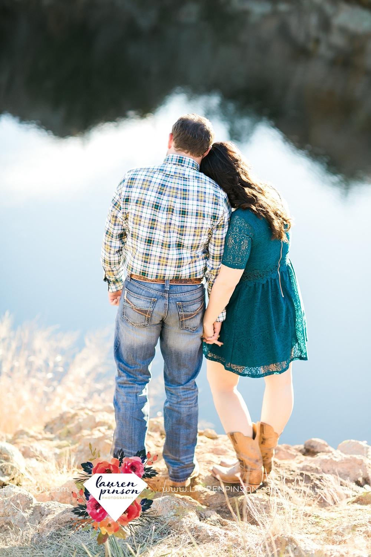 wichita-falls-texas-engagement-photographer-wedding-oklahoma-lawton-wichita-mountains-refuge-outdoors-mountains-engaged_2054.jpg