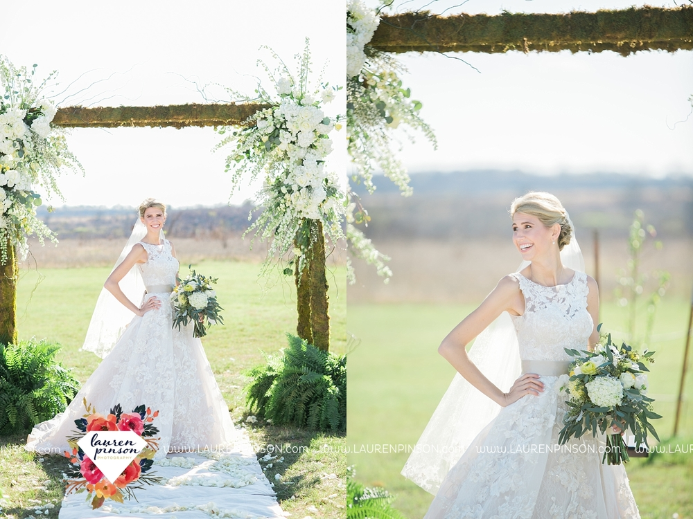 wichita-falls-texas-wedding-photographer-bowie-nocona-henrietta-country-barn-wedding_2165.jpg
