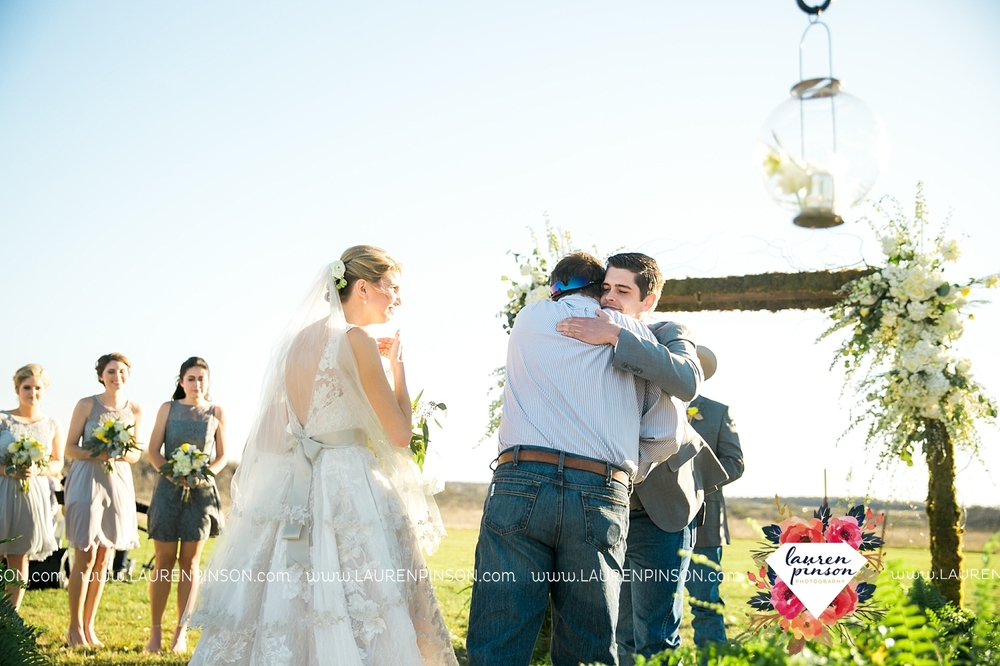 wichita-falls-texas-wedding-photographer-bowie-nocona-henrietta-country-barn-wedding_2170.jpg