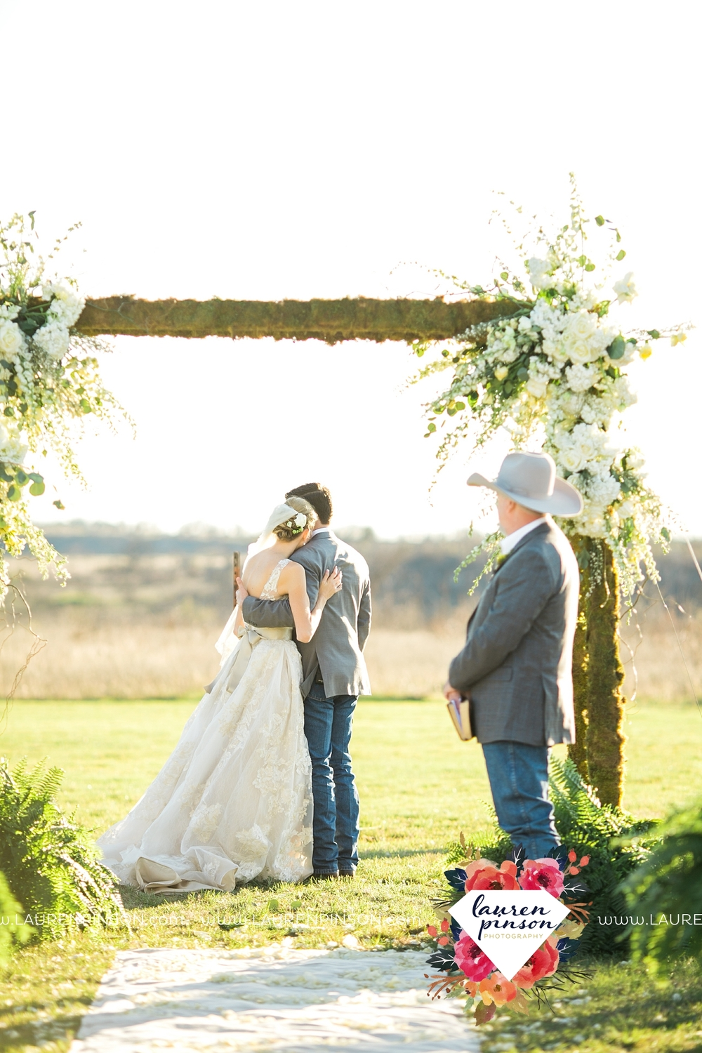 wichita-falls-texas-wedding-photographer-bowie-nocona-henrietta-country-barn-wedding_2175.jpg