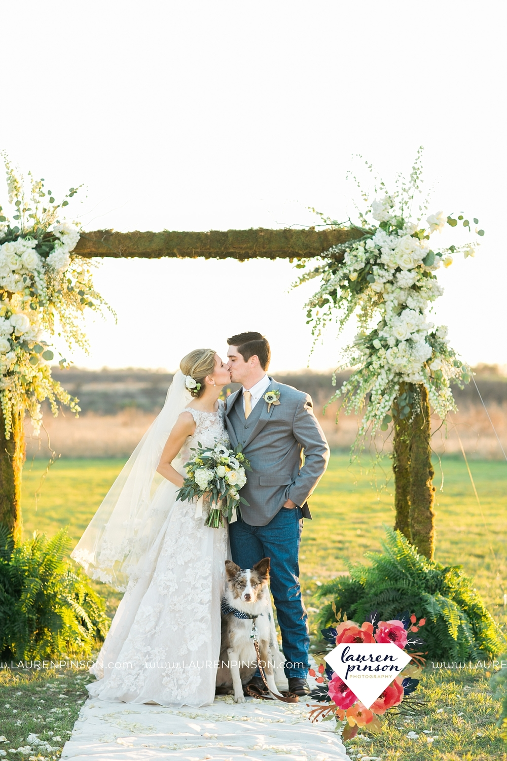 wichita-falls-texas-wedding-photographer-bowie-nocona-henrietta-country-barn-wedding_2186.jpg