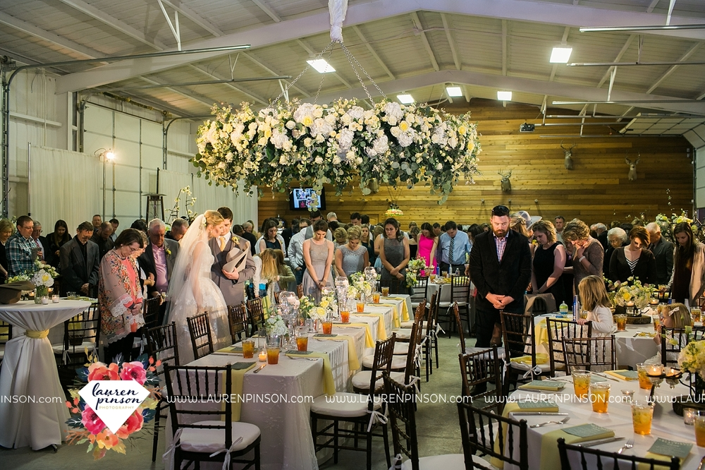 wichita-falls-texas-wedding-photographer-bowie-nocona-henrietta-country-barn-wedding_2201.jpg