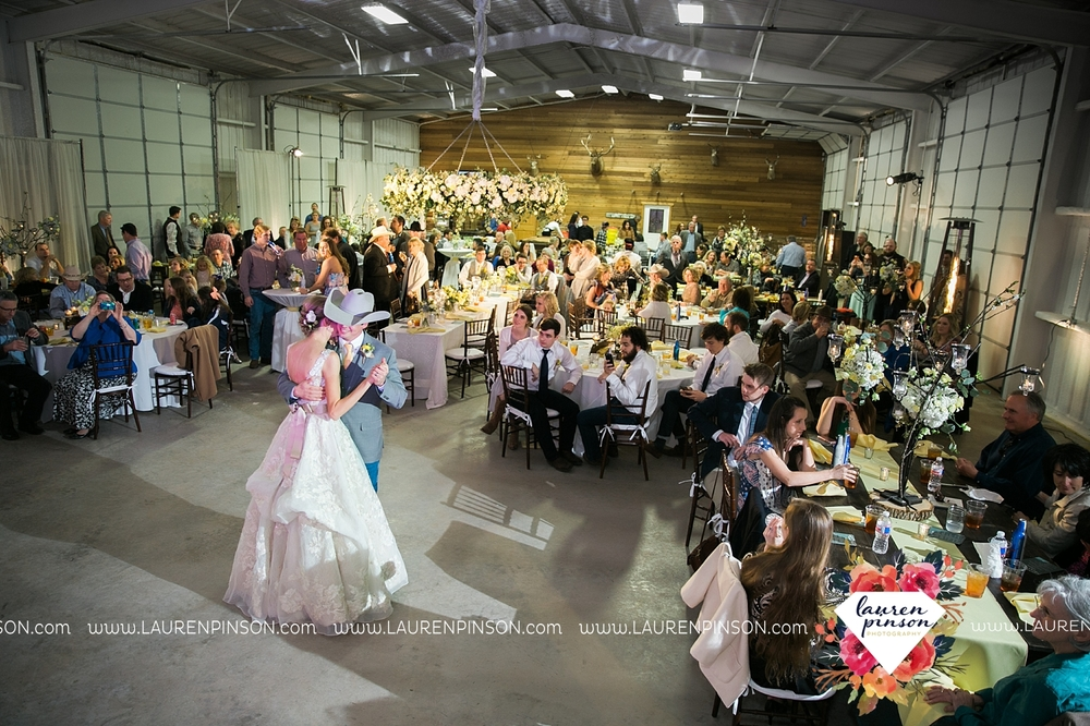 wichita-falls-texas-wedding-photographer-bowie-nocona-henrietta-country-barn-wedding_2202.jpg