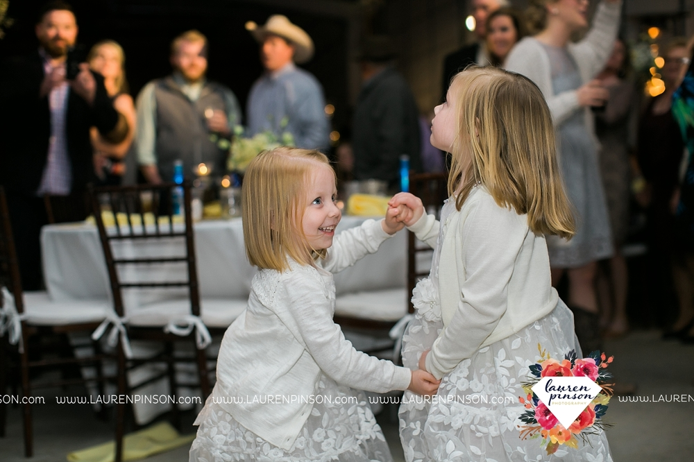 wichita-falls-texas-wedding-photographer-bowie-nocona-henrietta-country-barn-wedding_2207.jpg