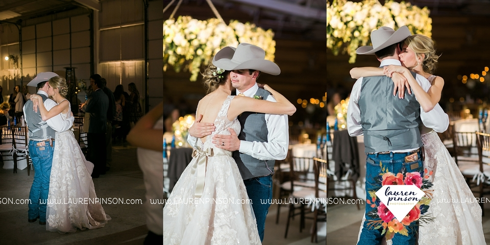 wichita-falls-texas-wedding-photographer-bowie-nocona-henrietta-country-barn-wedding_2211.jpg