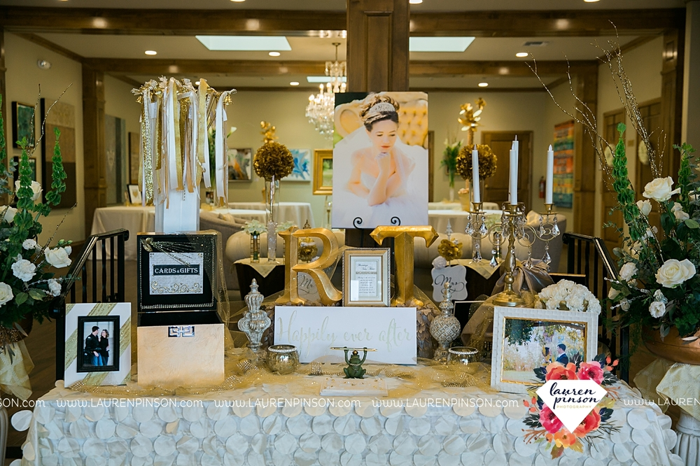 wichita-falls-texas-wedding-photographer-the-forum-by-the-kemp-mayfield-events-ulta-gold-glitter_2852.jpg
