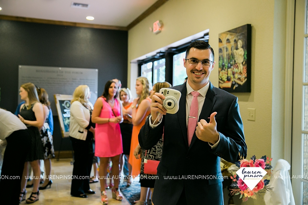 wichita-falls-texas-wedding-photographer-the-forum-by-the-kemp-mayfield-events-ulta-gold-glitter_2860.jpg
