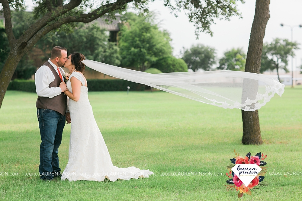 wichita-falls-texas-wedding-photographer-wellington-on-the-lake-with-mayfield-events_2949.jpg