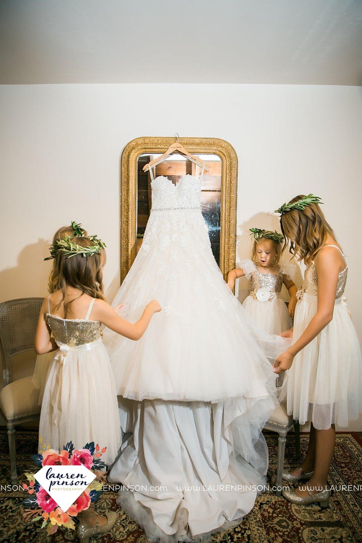 austin-texas-barn-wedding-at-brodie-homestead-wichita-falls-tx-wedding-photographer-dfw-00007.jpg