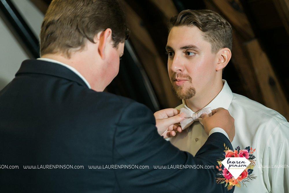 austin-texas-barn-wedding-at-brodie-homestead-wichita-falls-tx-wedding-photographer-dfw-00009.jpg