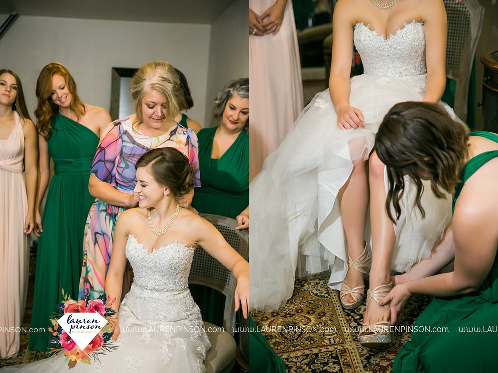 austin-texas-barn-wedding-at-brodie-homestead-wichita-falls-tx-wedding-photographer-dfw-00013.jpg