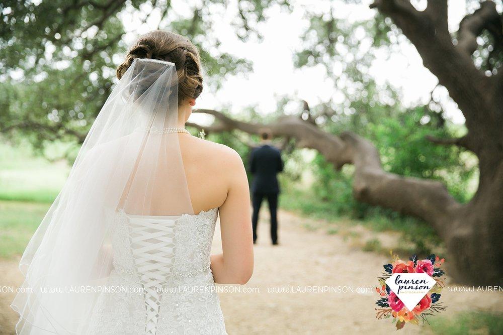 austin-texas-barn-wedding-at-brodie-homestead-wichita-falls-tx-wedding-photographer-dfw-00015.jpg