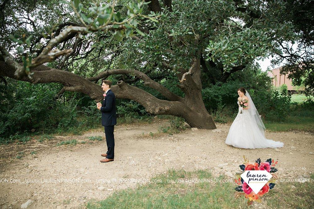 austin-texas-barn-wedding-at-brodie-homestead-wichita-falls-tx-wedding-photographer-dfw-00016.jpg