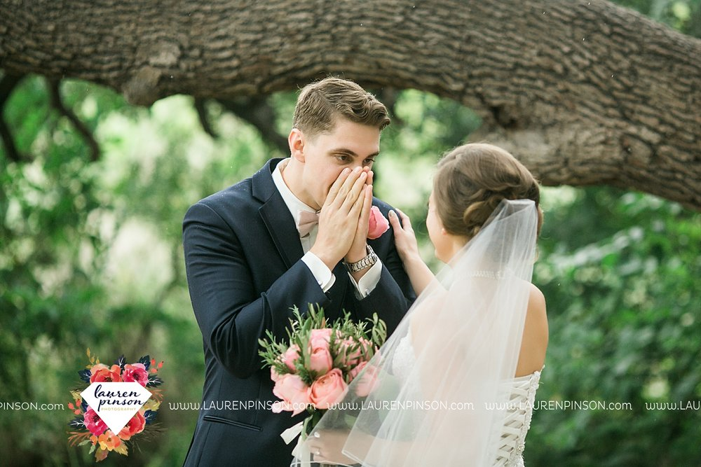 austin-texas-barn-wedding-at-brodie-homestead-wichita-falls-tx-wedding-photographer-dfw-00018.jpg