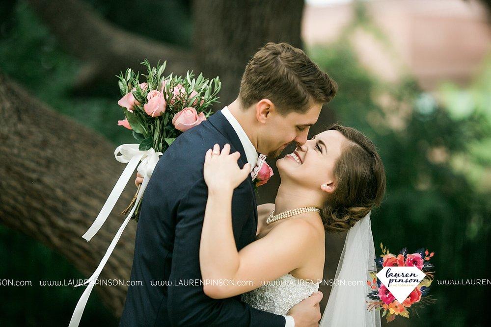 austin-texas-barn-wedding-at-brodie-homestead-wichita-falls-tx-wedding-photographer-dfw-00021.jpg
