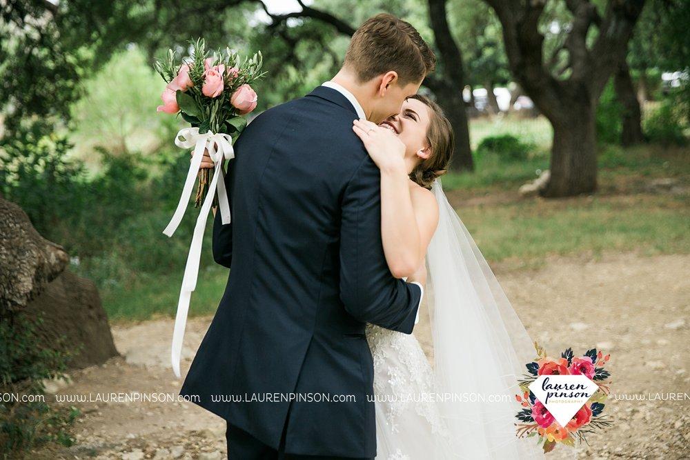 austin-texas-barn-wedding-at-brodie-homestead-wichita-falls-tx-wedding-photographer-dfw-00022.jpg