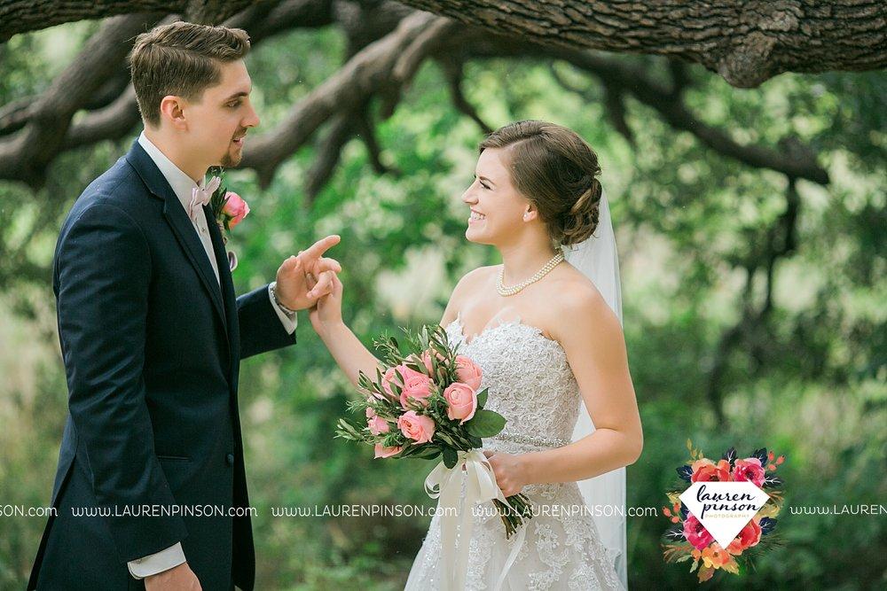 austin-texas-barn-wedding-at-brodie-homestead-wichita-falls-tx-wedding-photographer-dfw-00025.jpg