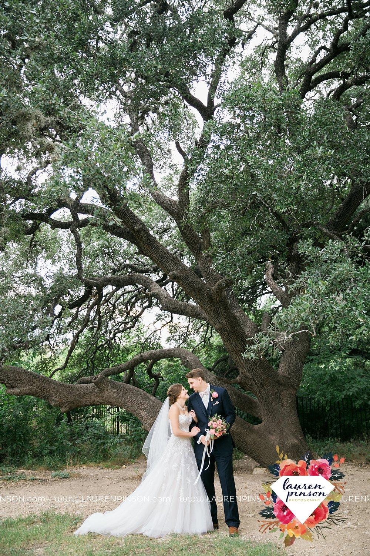 austin-texas-barn-wedding-at-brodie-homestead-wichita-falls-tx-wedding-photographer-dfw-00026.jpg