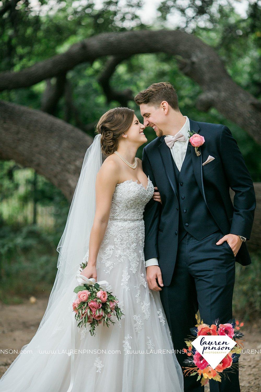 austin-texas-barn-wedding-at-brodie-homestead-wichita-falls-tx-wedding-photographer-dfw-00028.jpg