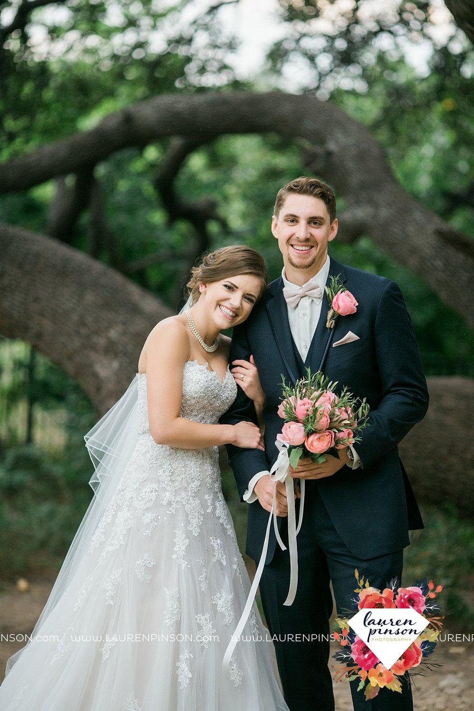 austin-texas-barn-wedding-at-brodie-homestead-wichita-falls-tx-wedding-photographer-dfw-00029.jpg