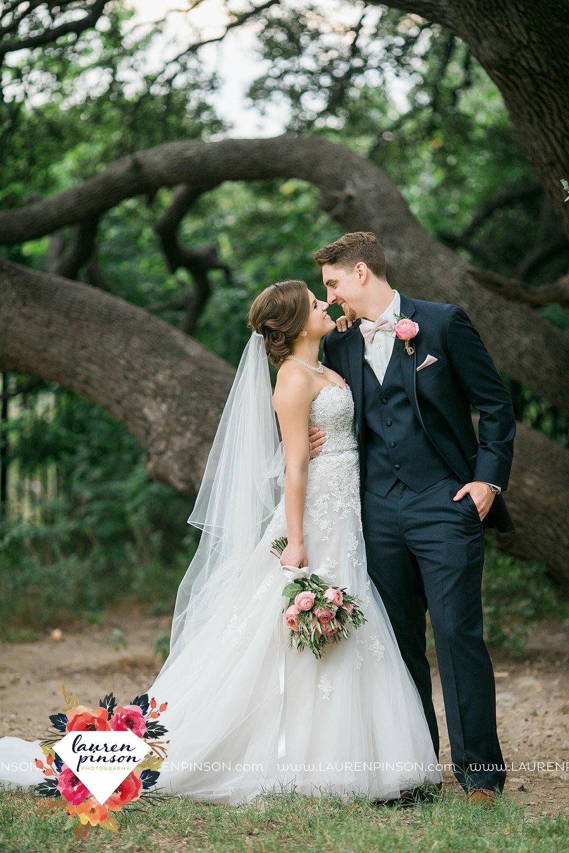 austin-texas-barn-wedding-at-brodie-homestead-wichita-falls-tx-wedding-photographer-dfw-00030.jpg