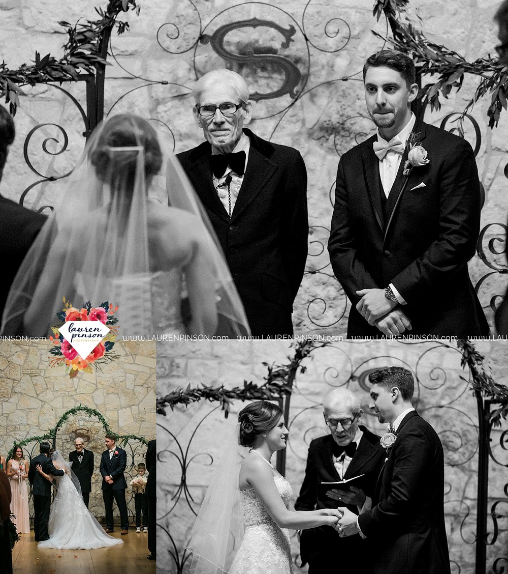 austin-texas-barn-wedding-at-brodie-homestead-wichita-falls-tx-wedding-photographer-dfw-00056.jpg