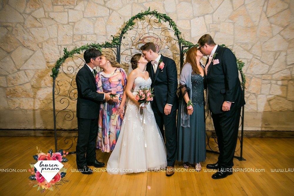 austin-texas-barn-wedding-at-brodie-homestead-wichita-falls-tx-wedding-photographer-dfw-00060.jpg
