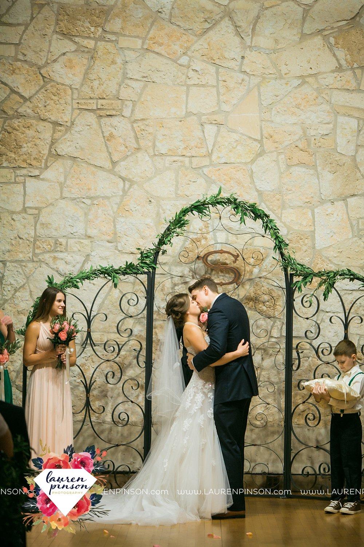 austin-texas-barn-wedding-at-brodie-homestead-wichita-falls-tx-wedding-photographer-dfw-00063.jpg
