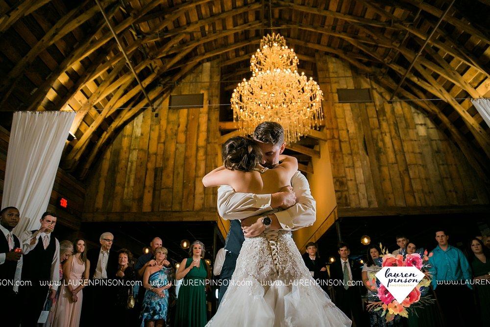 austin-texas-barn-wedding-at-brodie-homestead-wichita-falls-tx-wedding-photographer-dfw-00070.jpg