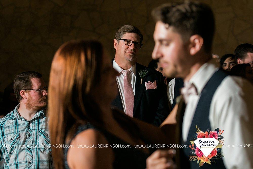 austin-texas-barn-wedding-at-brodie-homestead-wichita-falls-tx-wedding-photographer-dfw-00076.jpg