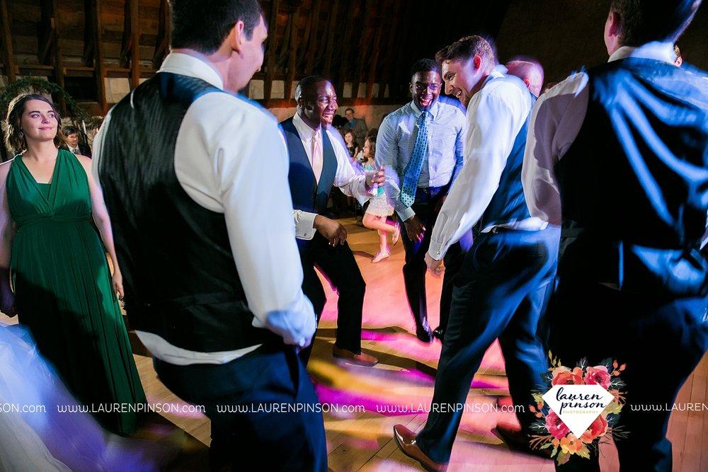 austin-texas-barn-wedding-at-brodie-homestead-wichita-falls-tx-wedding-photographer-dfw-00078.jpg
