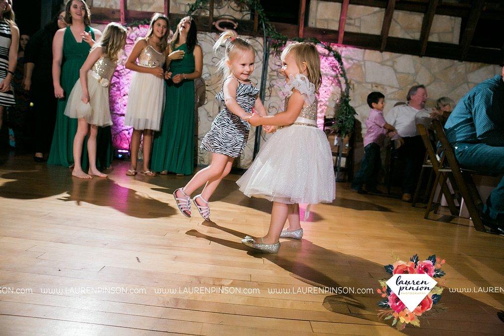 austin-texas-barn-wedding-at-brodie-homestead-wichita-falls-tx-wedding-photographer-dfw-00080.jpg