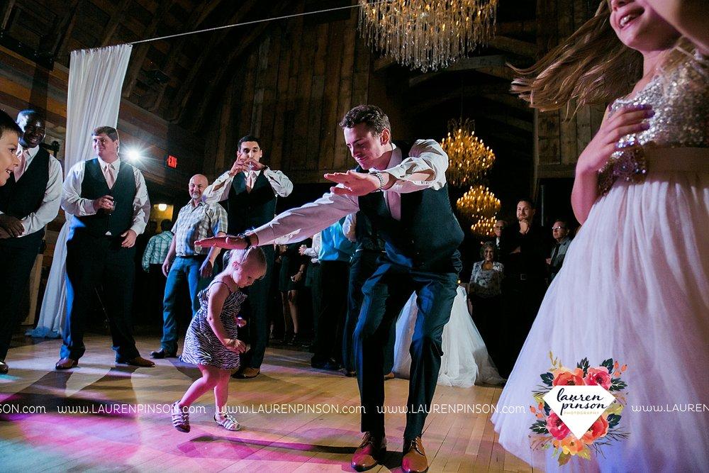 austin-texas-barn-wedding-at-brodie-homestead-wichita-falls-tx-wedding-photographer-dfw-00081.jpg
